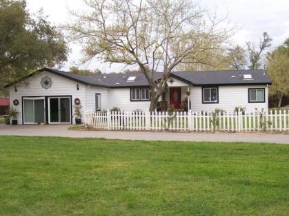 Home listing photos